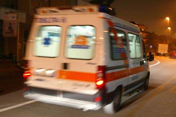 Francavilla a Mare: scontro frontale Smart-furgone. Fiamme in galleria, un morto