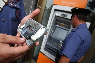 foto clonazione carte credito