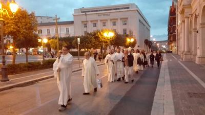 processione riapertura Chiesa