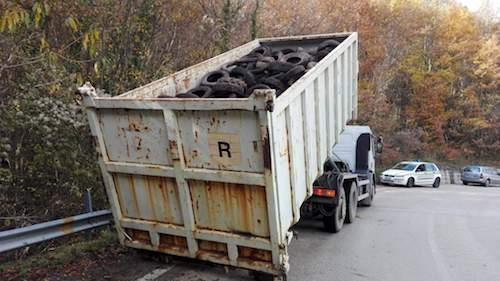container-di-rifiuti