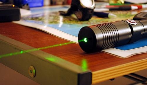 Isernia, sequestrati duecento puntatori laser nocivi alla vista