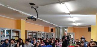 giornata di formazione, incontro Carabinieri-studenti
