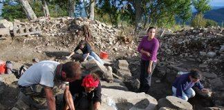 sacello in corso di scavo