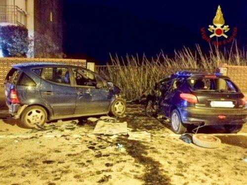 Termoli - auto quasi completamente distrutte per incidente stradale a Rio-Vivo Marinelle