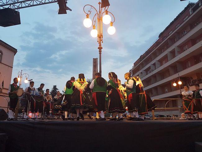 gruppi folcloristici piazza della vittoria 2