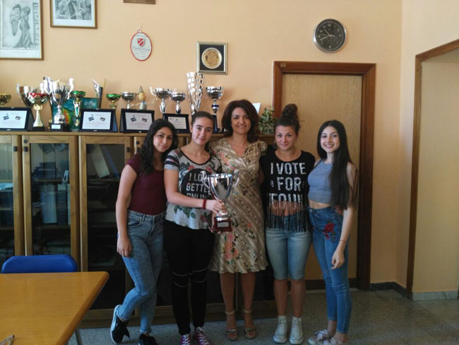 le ragazze dell'I.I.S.S. Alfano trionfano nella ginnastica