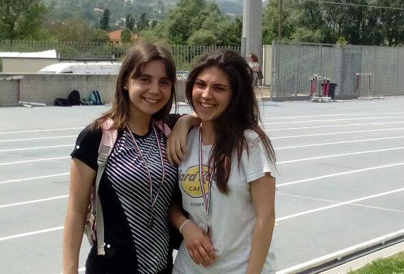 studentesse dell'I.I.S.S. Alfano