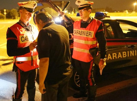 controllo etilometro Carabinieri