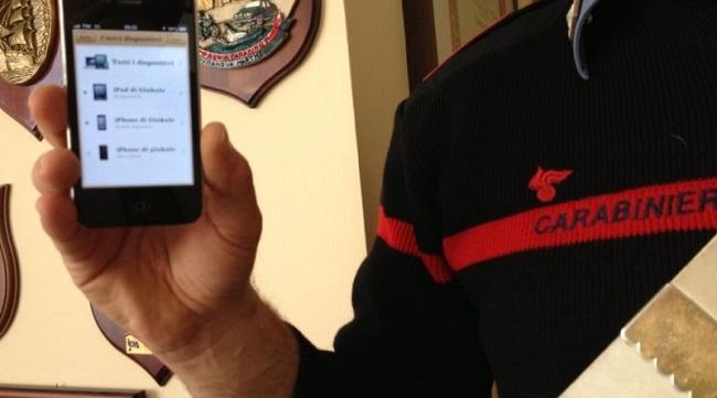 controllo Carabinieri smartphone