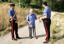 foto Carabinieri e anziani