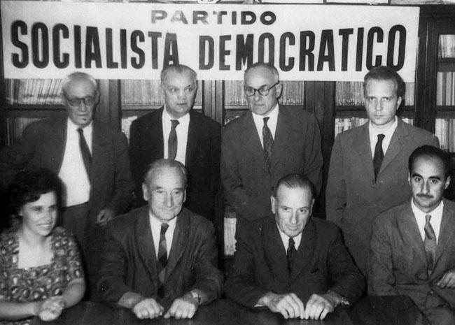 Luis Nuncio a riunione partito socialista democratico
