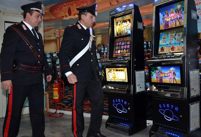 controlli Carabinieri slot vlt
