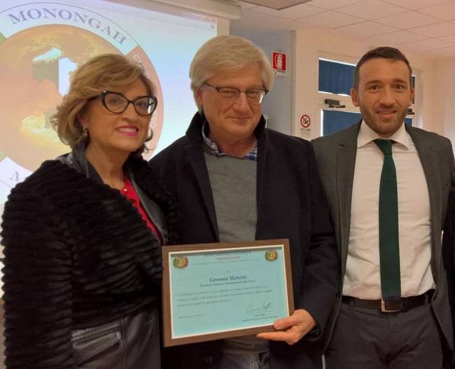 premiazione Mancini con Associazione Culturale Monongah