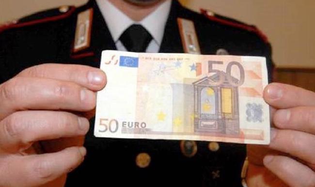 Isernia, tentano di spacciare banconote false: intervengono i Carabinieri