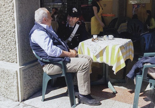 foto Carabinieri con anziani