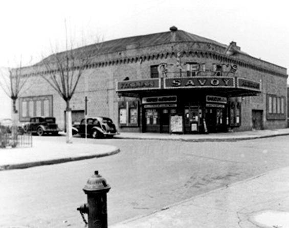La storia del Cinelli's Savoy Theatre, era di un imprenditore molisano