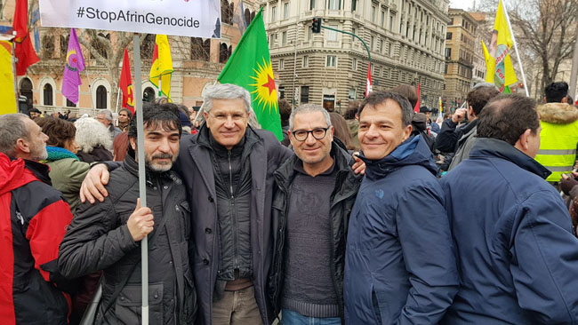 Manifestazione a Roma per il popolo curdo