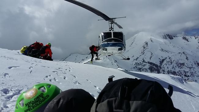 Carburante Elicottero : Matese esercitazione con l elicottero per il soccorso alpino