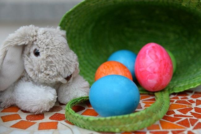 Pasqua bambini Termoli aprile piazza Monumento