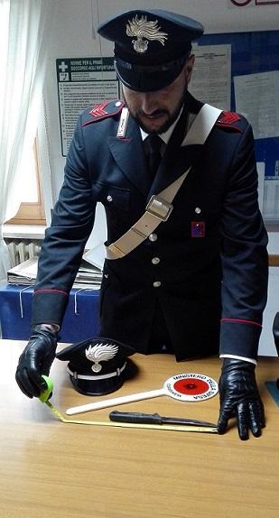 sequestro coltello Carabinieri