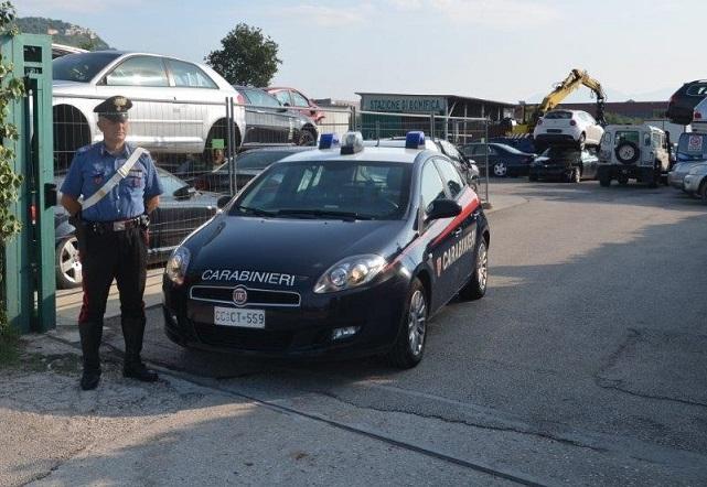 foto Carabinieri officina