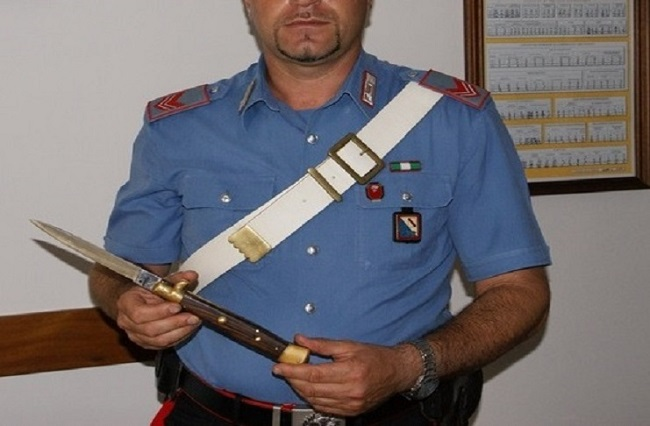 sequestro coltello