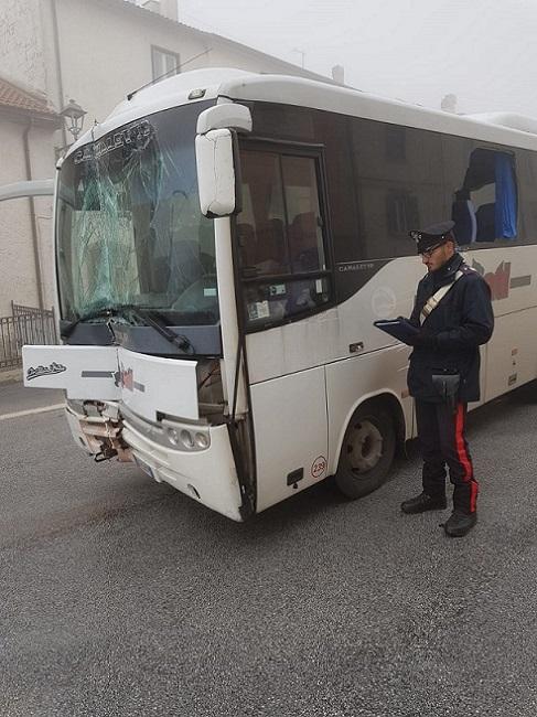controllo mezzo carabinieri
