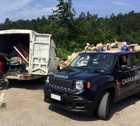 perquisizione furgone Carabinieri