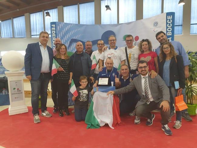 piacente campione d'italia con tifosi molise