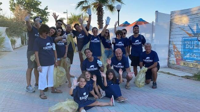 gruppo volontari plastic free