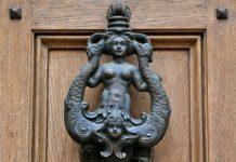 sirena bussa porta