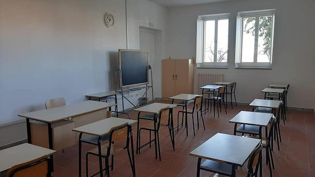 banchi scuola gambatesa