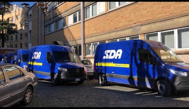 furgoni sda consegnano vaccino moderna