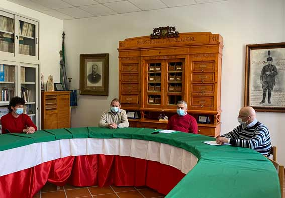 sala consiglio comunale macchiagodena