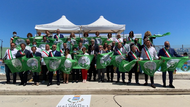 bandiere verdi alba adriatica