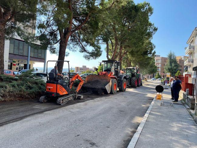 lavori asfalto via carducci